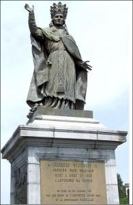 12 Gerbert standbeeld