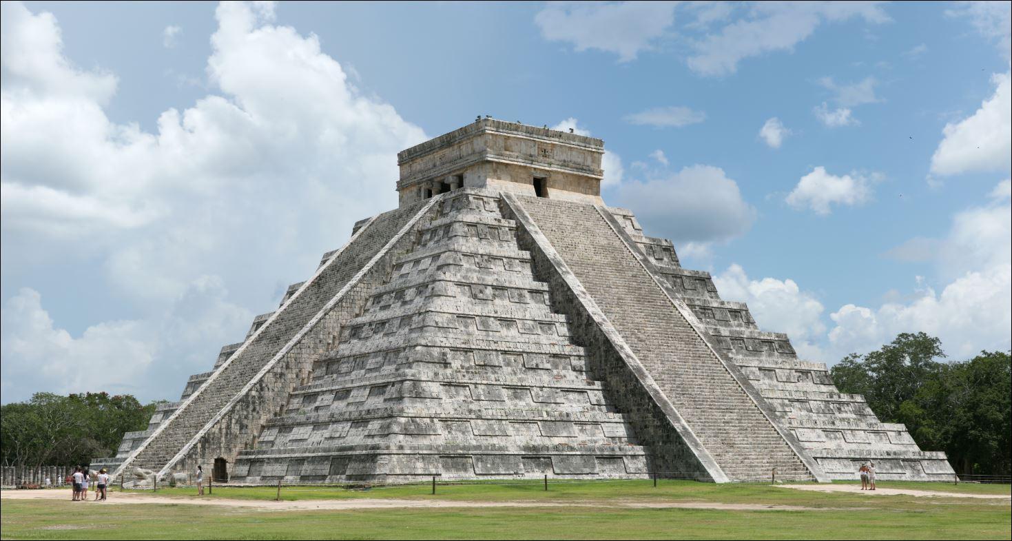 2 maya pyramide